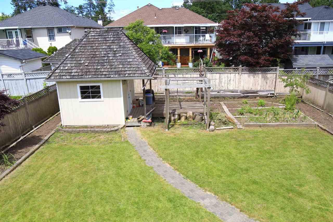 Detached at 15671 107A AVENUE, North Surrey, British Columbia. Image 14