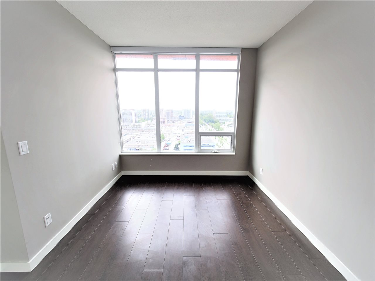 Condo Apartment at 1807 6288 NO 3 ROAD, Unit 1807, Richmond, British Columbia. Image 6