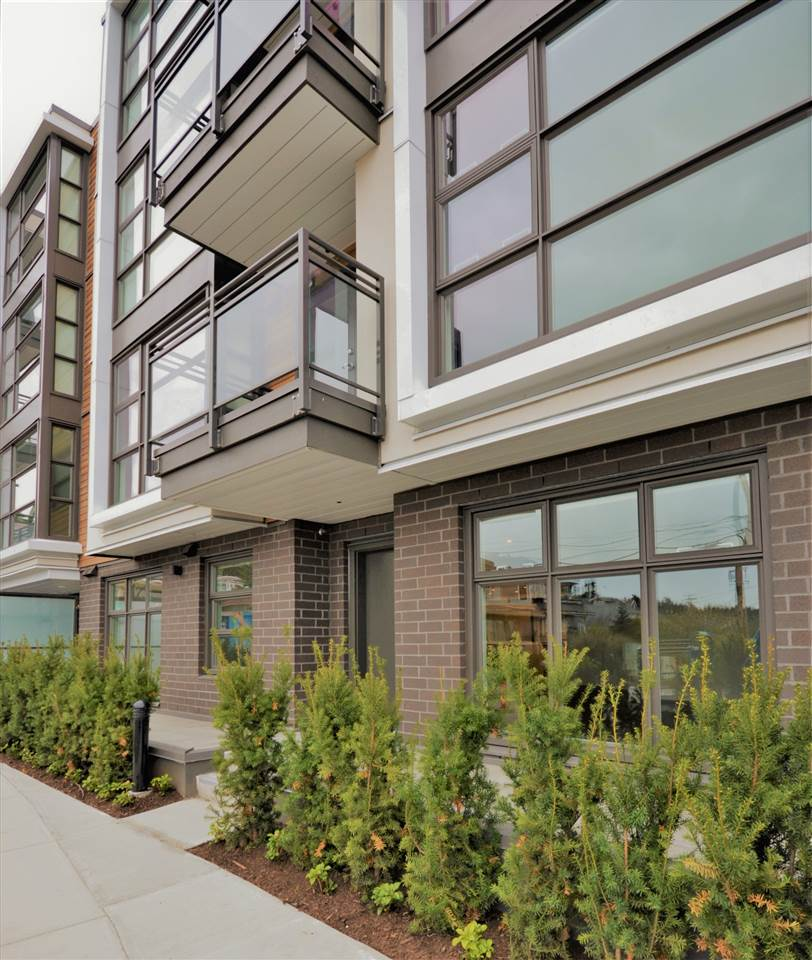 Condo Apartment at 207 1160 OXFORD STREET, Unit 207, South Surrey White Rock, British Columbia. Image 1