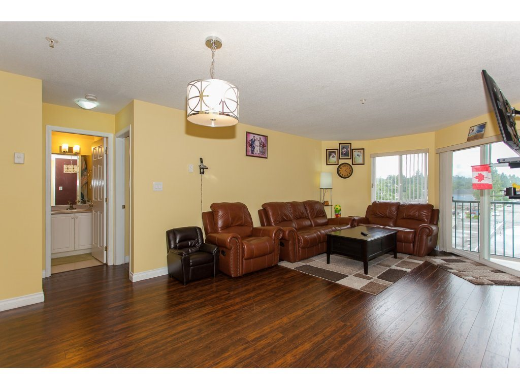 Condo Apartment at 407 31771 PEARDONVILLE ROAD, Unit 407, Abbotsford, British Columbia. Image 4
