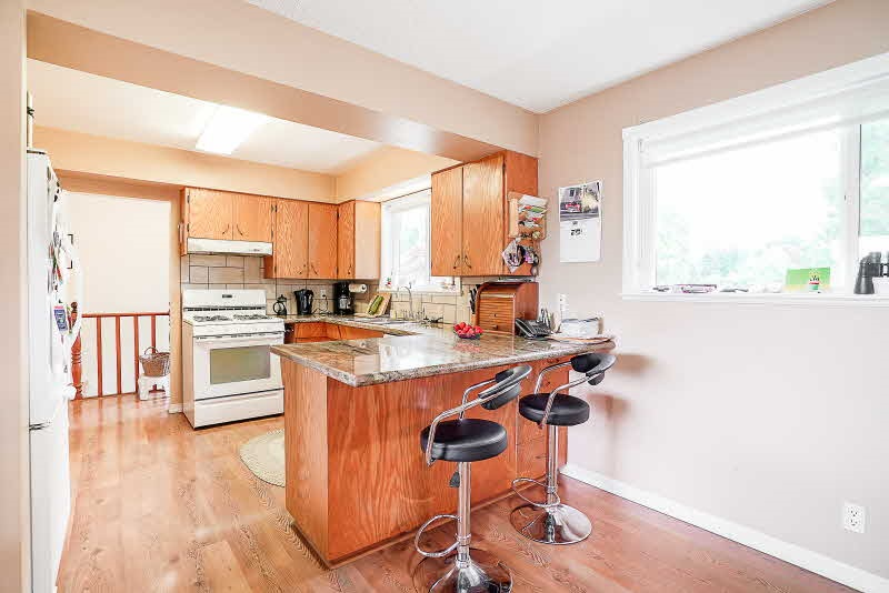 Detached at 31050 HARRIS ROAD, Abbotsford, British Columbia. Image 3