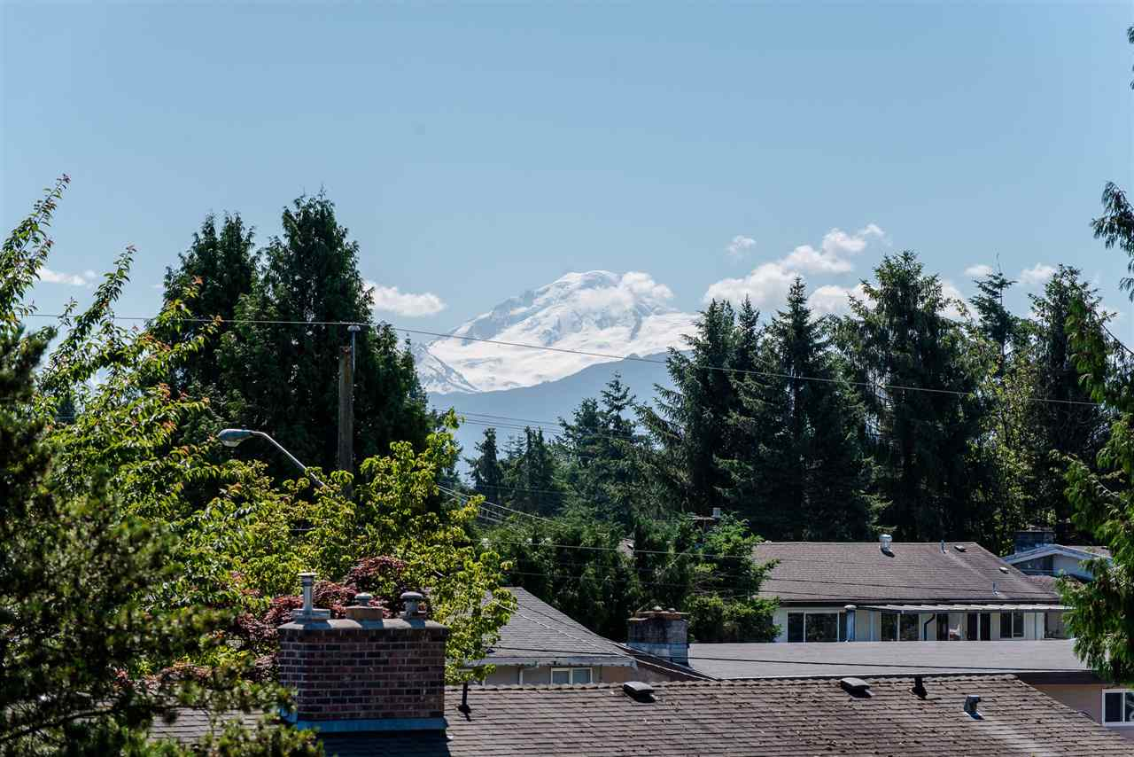 Detached at 2046 MAJESTIC CRESCENT, Abbotsford, British Columbia. Image 20