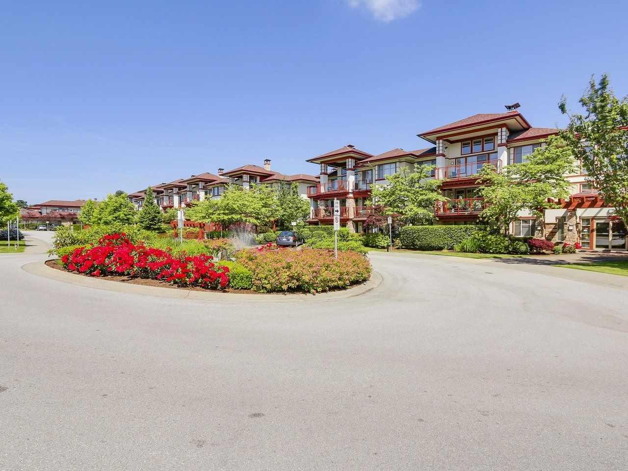 Condo Apartment at 109 16499 64 AVENUE, Unit 109, Cloverdale, British Columbia. Image 2