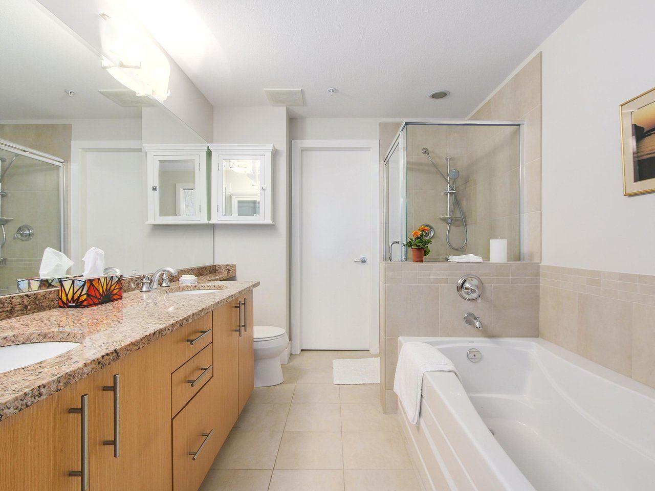 Condo Apartment at 109 16499 64 AVENUE, Unit 109, Cloverdale, British Columbia. Image 12