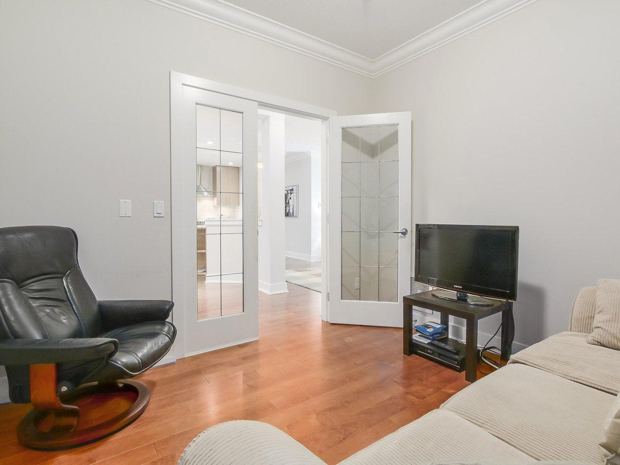 Condo Apartment at 109 16499 64 AVENUE, Unit 109, Cloverdale, British Columbia. Image 15