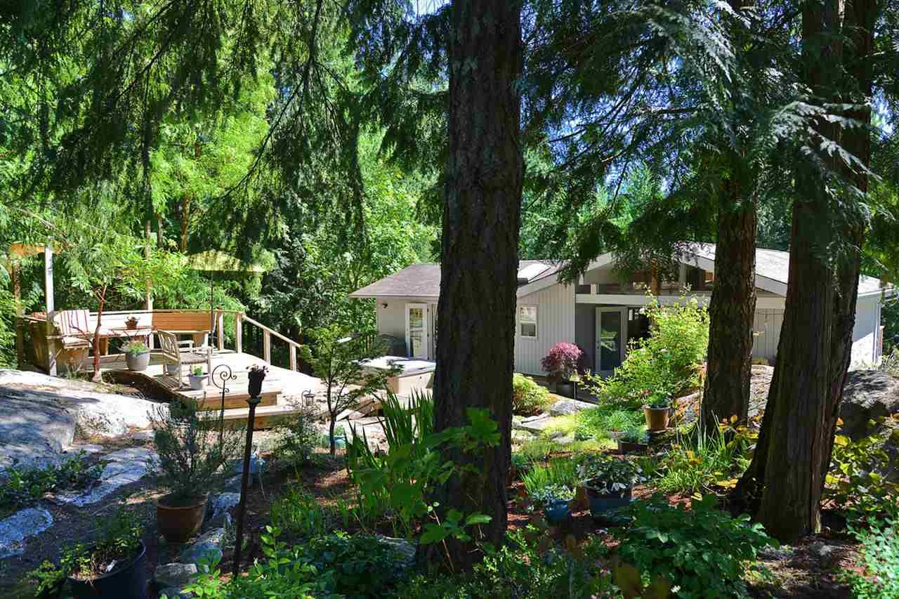 Detached at 3194 HANSEN ROAD, Sunshine Coast, British Columbia. Image 20