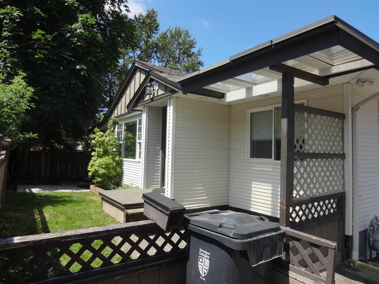 Detached at 26527 FRASER HIGHWAY, Langley, British Columbia. Image 3