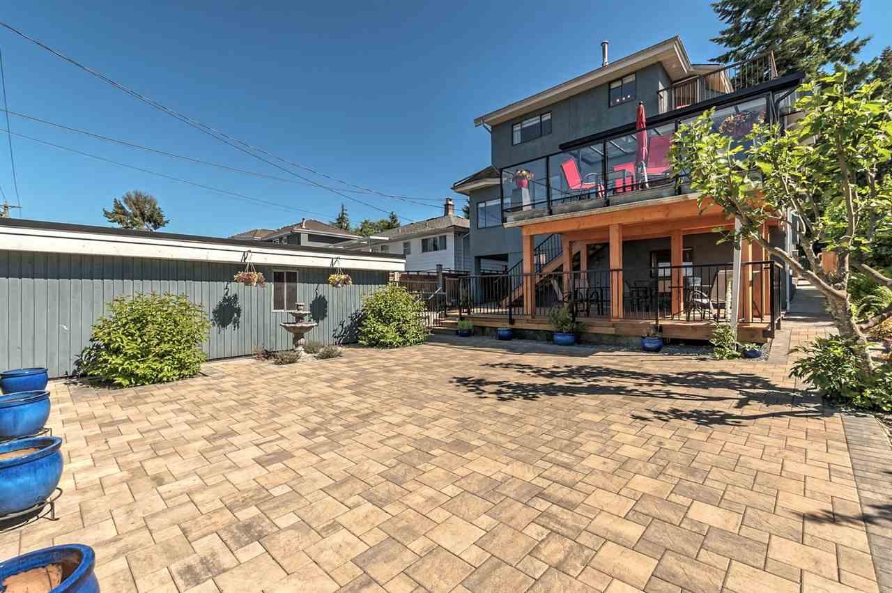 Detached at 3835 TRINITY STREET, Burnaby North, British Columbia. Image 17