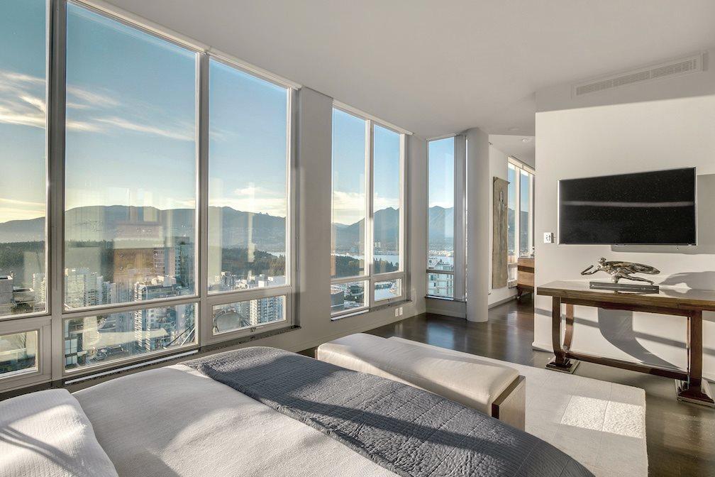 Condo Apartment at PH5 1288 W GEORGIA STREET, Unit PH5, Vancouver West, British Columbia. Image 8