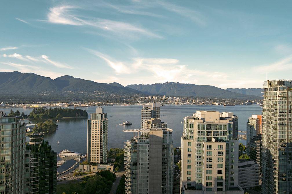 Condo Apartment at PH5 1288 W GEORGIA STREET, Unit PH5, Vancouver West, British Columbia. Image 11
