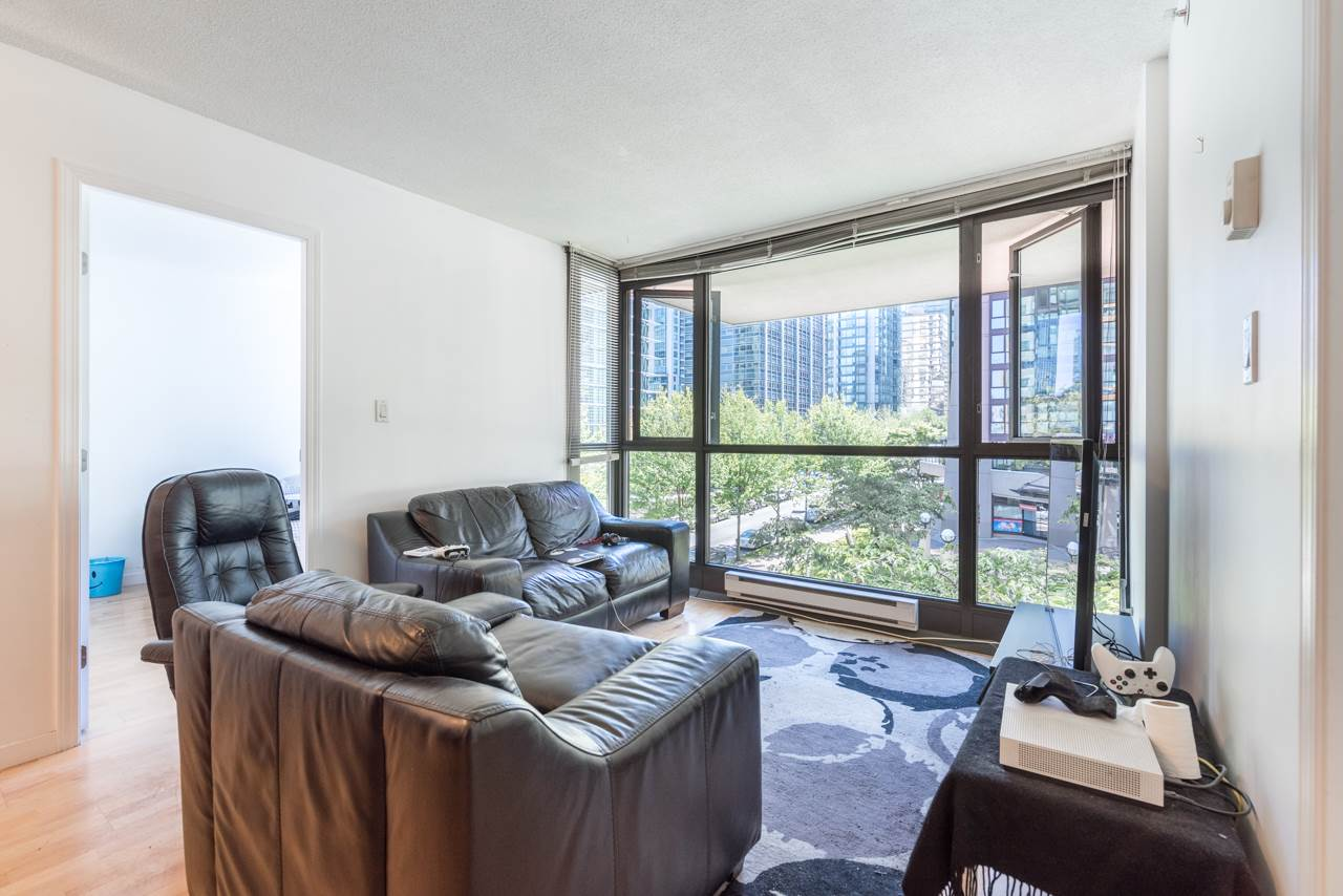 Condo Apartment at 203 1367 ALBERNI STREET, Unit 203, Vancouver West, British Columbia. Image 5