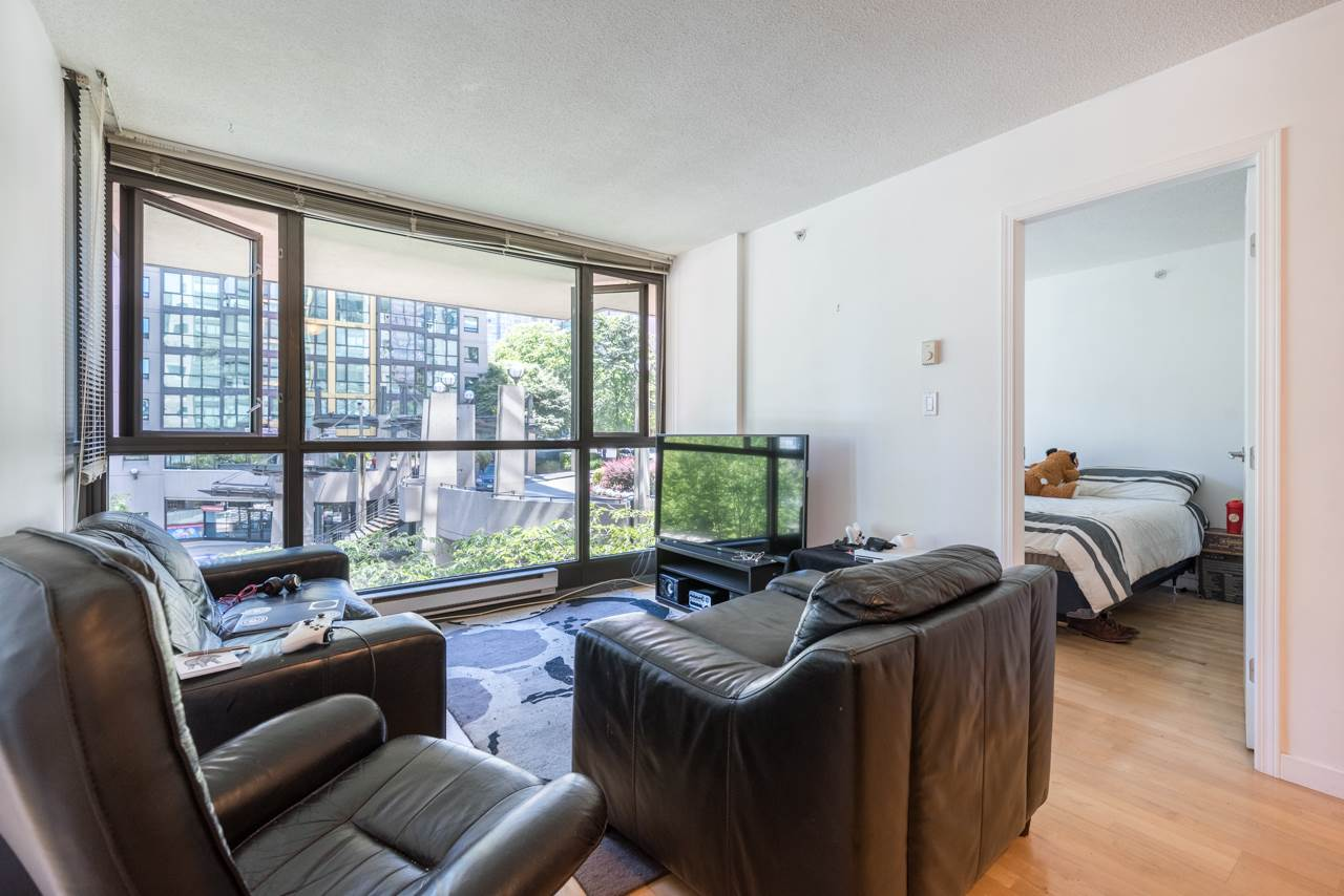 Condo Apartment at 203 1367 ALBERNI STREET, Unit 203, Vancouver West, British Columbia. Image 6