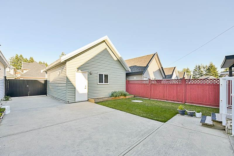 Detached at 5880 131 STREET, Surrey, British Columbia. Image 19