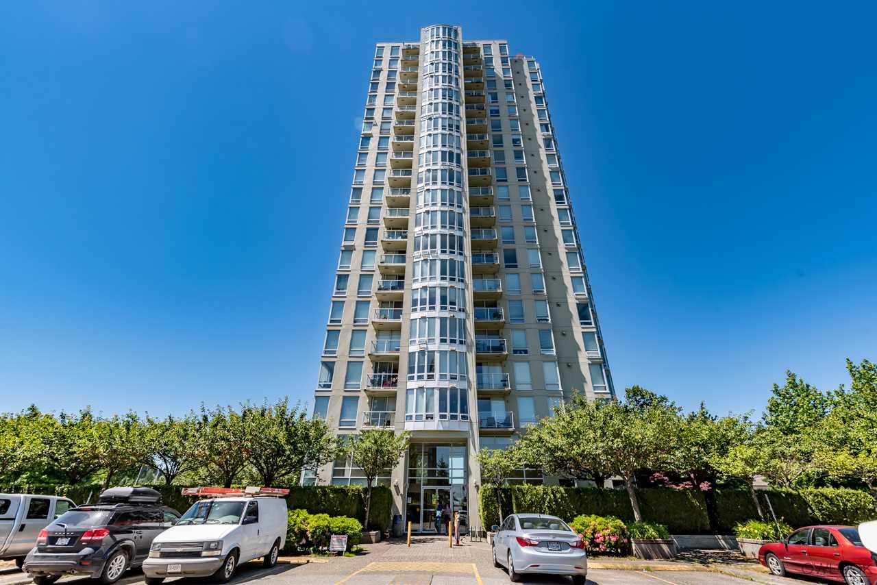 Condo Apartment at 305 14820 104 AVENUE, Unit 305, North Surrey, British Columbia. Image 1