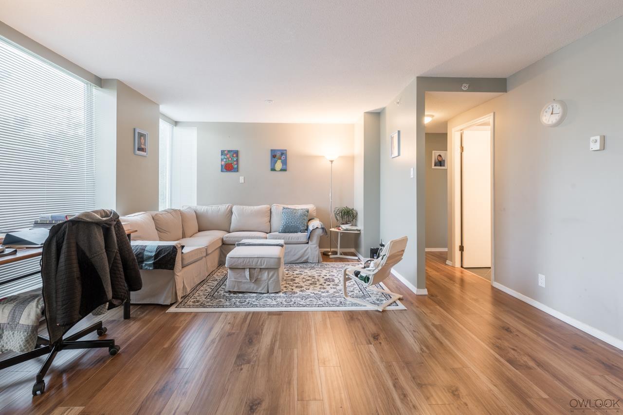 Condo Apartment at 305 14820 104 AVENUE, Unit 305, North Surrey, British Columbia. Image 5