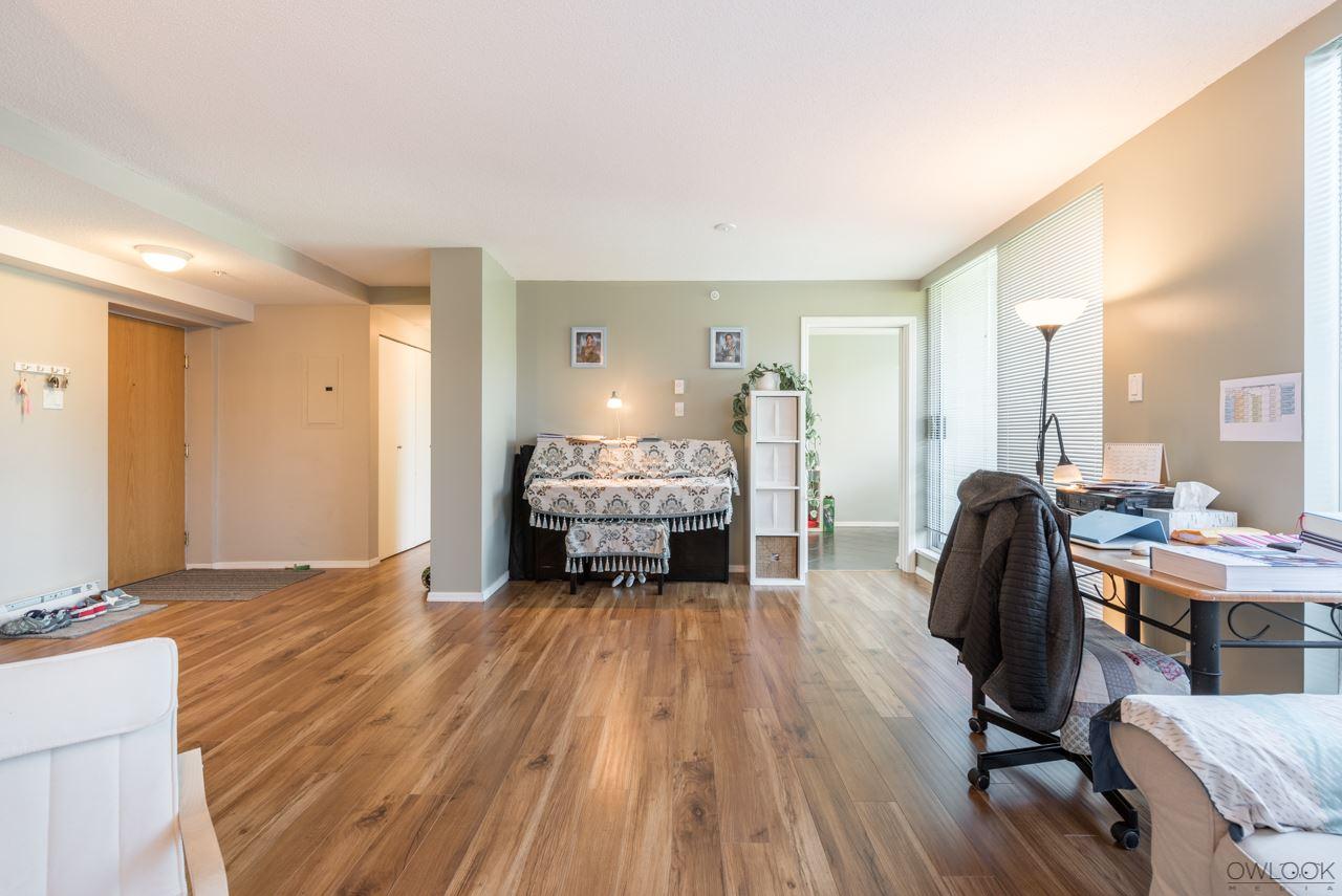 Condo Apartment at 305 14820 104 AVENUE, Unit 305, North Surrey, British Columbia. Image 6
