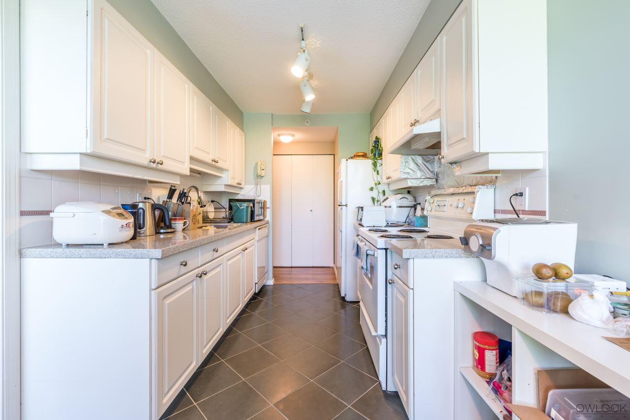 Condo Apartment at 305 14820 104 AVENUE, Unit 305, North Surrey, British Columbia. Image 8