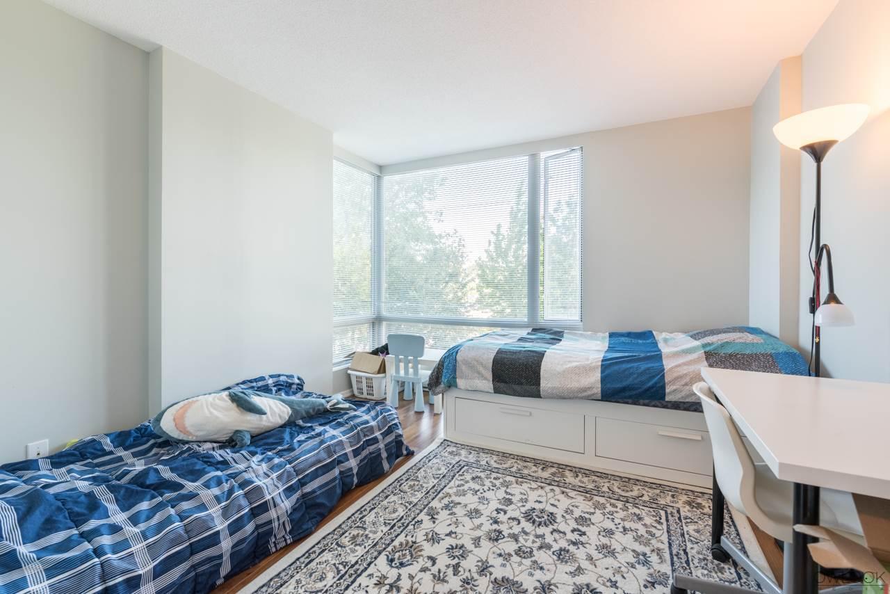 Condo Apartment at 305 14820 104 AVENUE, Unit 305, North Surrey, British Columbia. Image 11