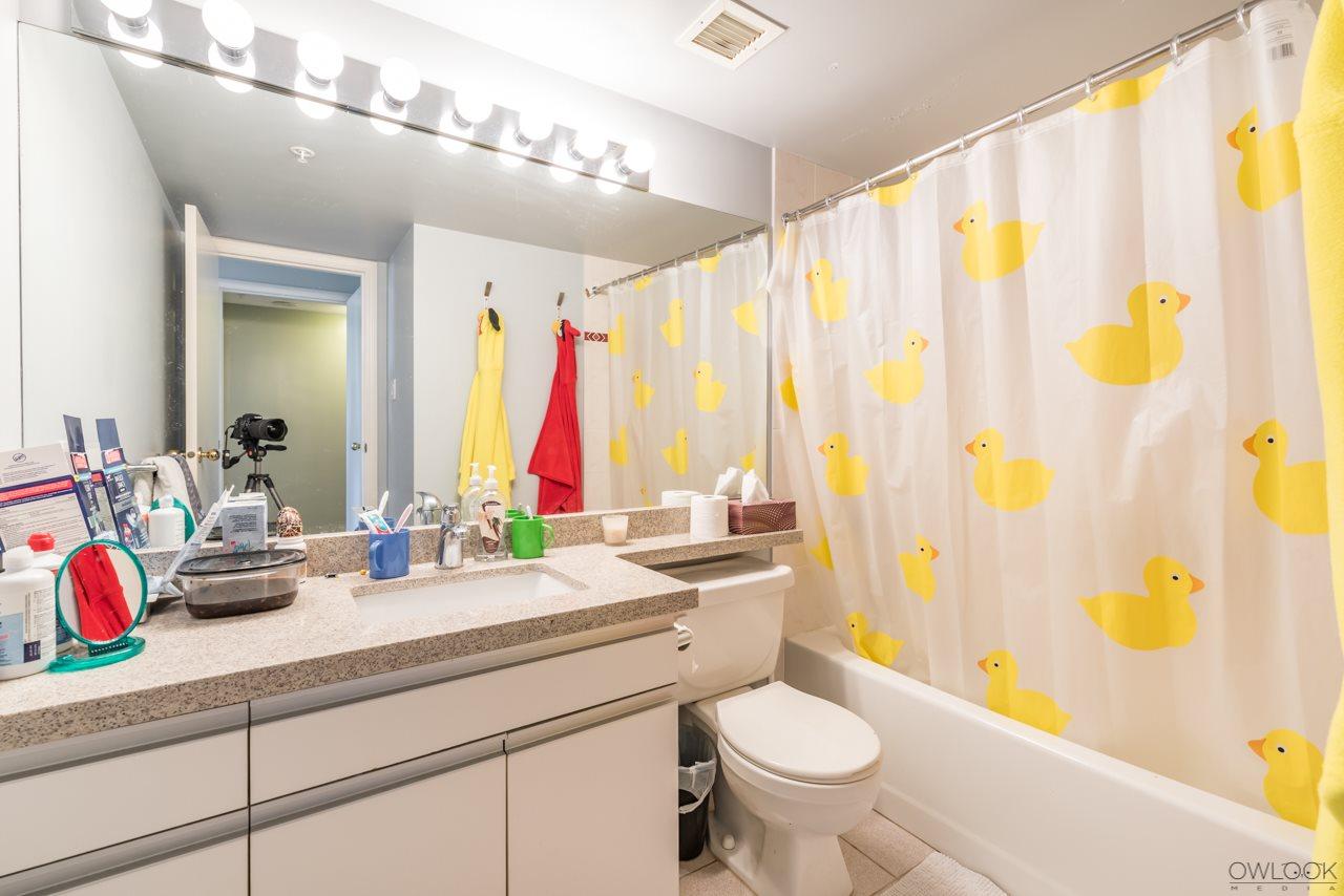 Condo Apartment at 305 14820 104 AVENUE, Unit 305, North Surrey, British Columbia. Image 15