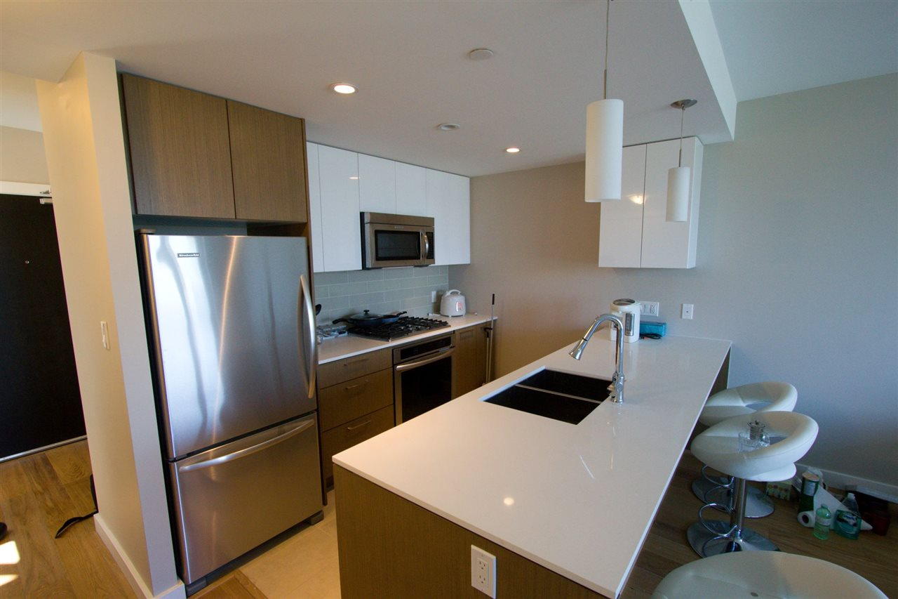 Condo Apartment at 6011 5511 HOLLYBRIDGE WAY, Unit 6011, Richmond, British Columbia. Image 3