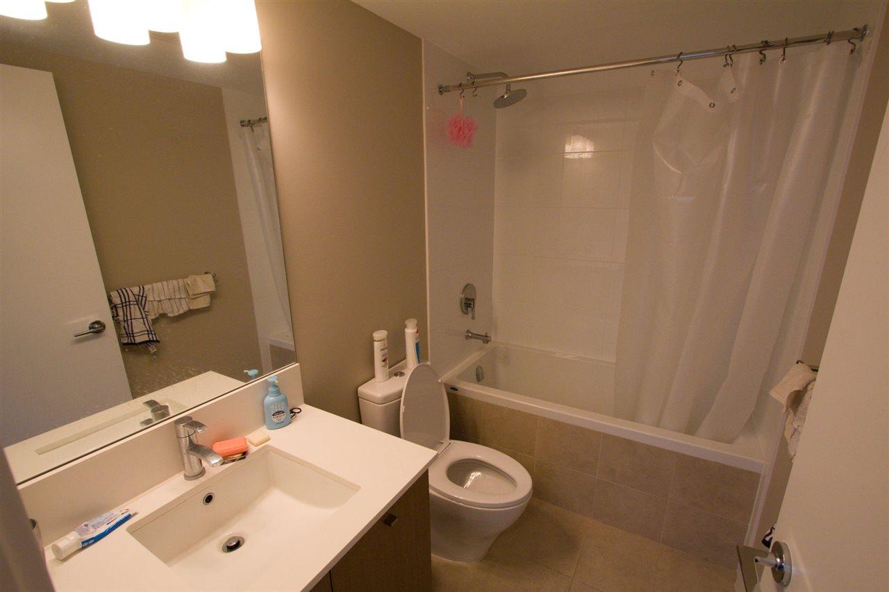 Condo Apartment at 6011 5511 HOLLYBRIDGE WAY, Unit 6011, Richmond, British Columbia. Image 6