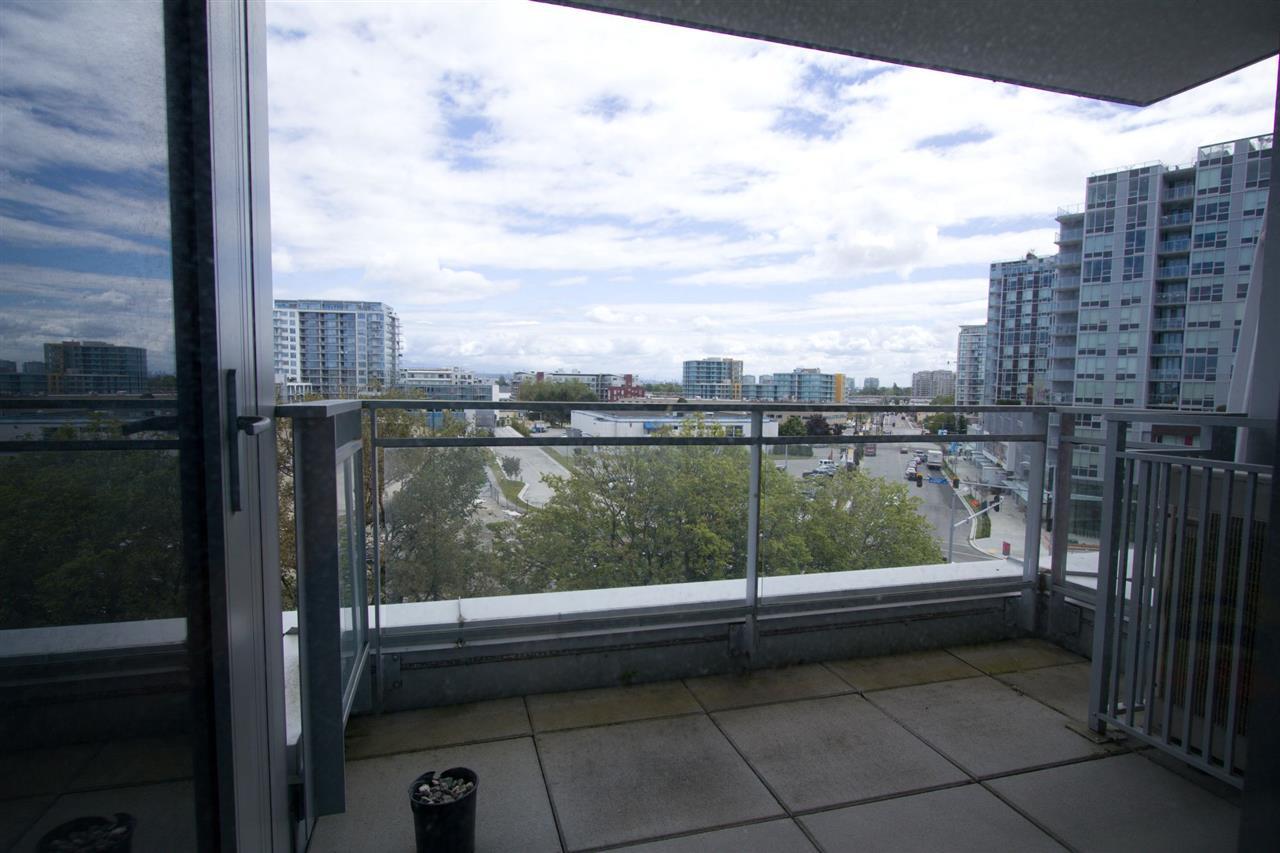 Condo Apartment at 6011 5511 HOLLYBRIDGE WAY, Unit 6011, Richmond, British Columbia. Image 7