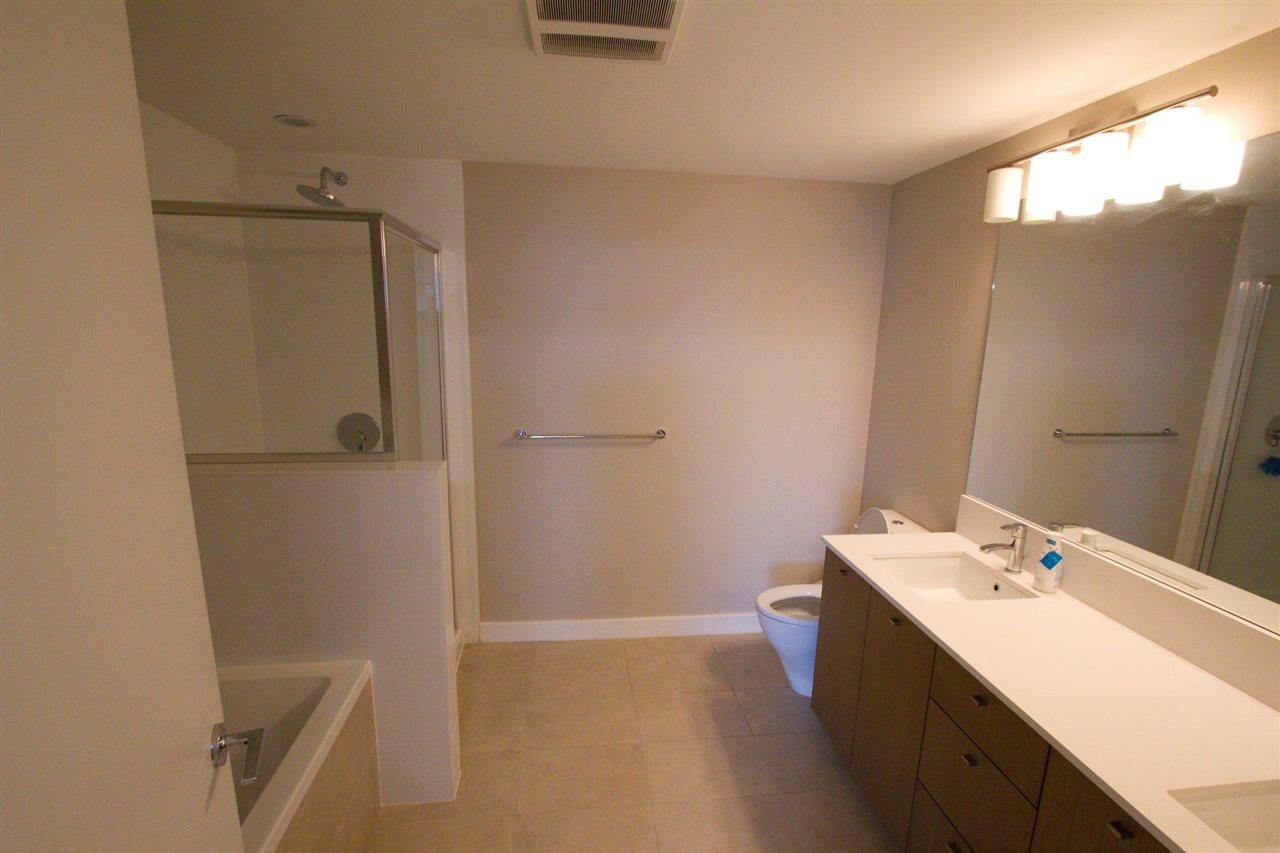 Condo Apartment at 6011 5511 HOLLYBRIDGE WAY, Unit 6011, Richmond, British Columbia. Image 8