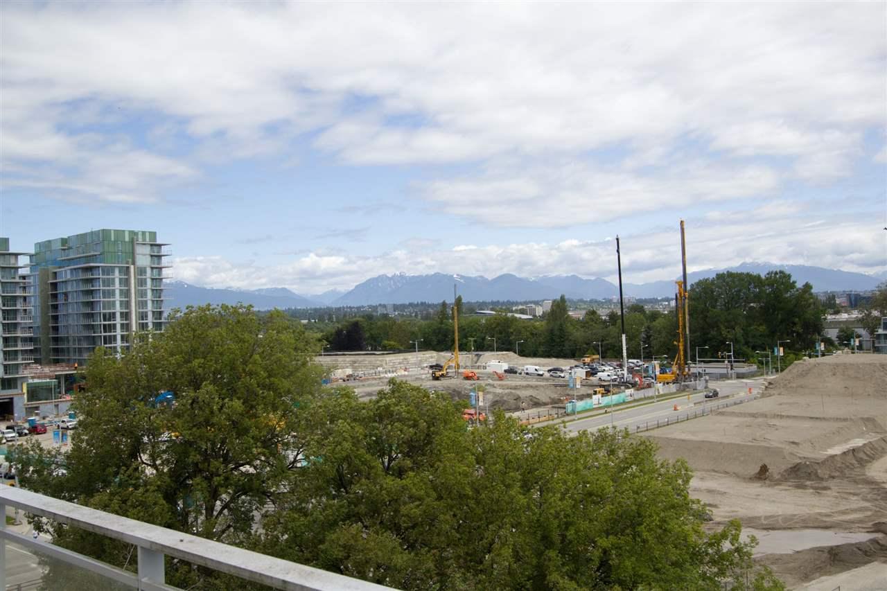 Condo Apartment at 6011 5511 HOLLYBRIDGE WAY, Unit 6011, Richmond, British Columbia. Image 14