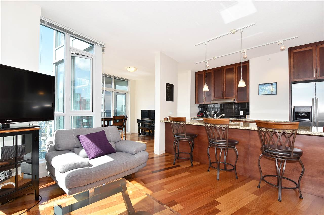 Condo Apartment at 3704 1189 MELVILLE STREET, Unit 3704, Vancouver West, British Columbia. Image 2