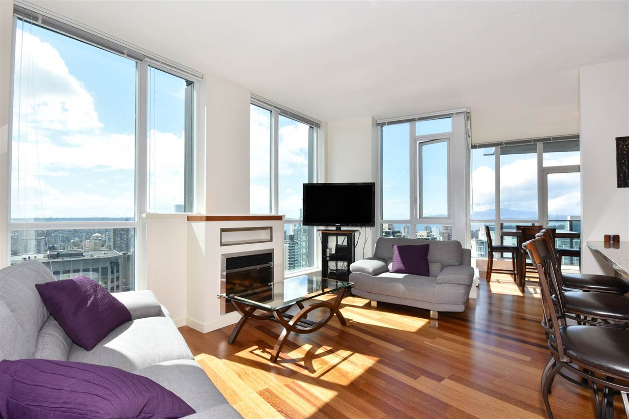 Condo Apartment at 3704 1189 MELVILLE STREET, Unit 3704, Vancouver West, British Columbia. Image 3