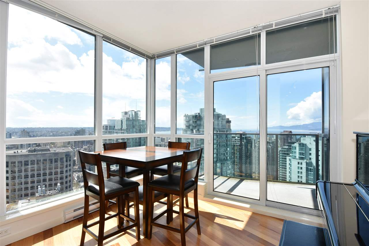 Condo Apartment at 3704 1189 MELVILLE STREET, Unit 3704, Vancouver West, British Columbia. Image 6
