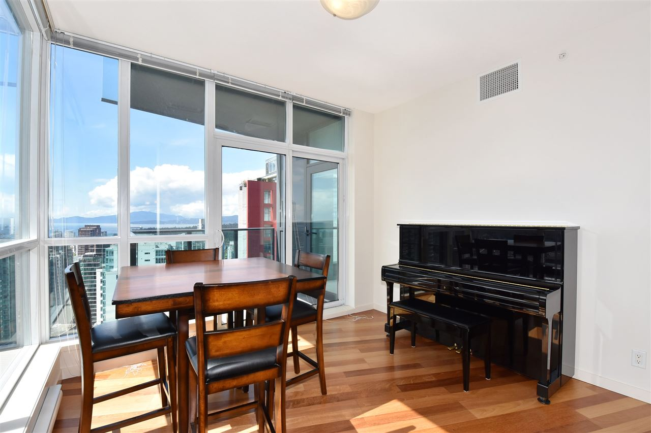 Condo Apartment at 3704 1189 MELVILLE STREET, Unit 3704, Vancouver West, British Columbia. Image 7