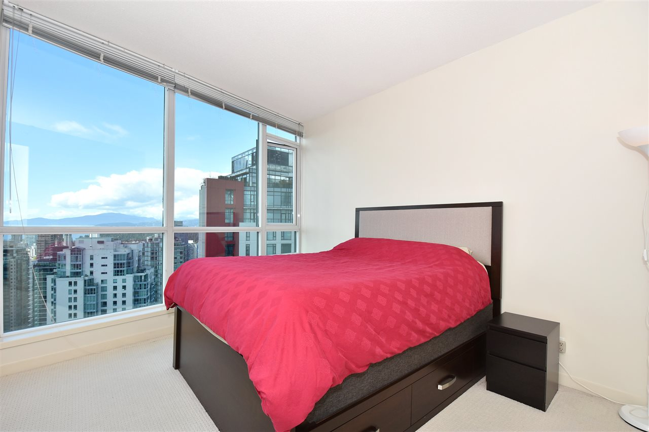 Condo Apartment at 3704 1189 MELVILLE STREET, Unit 3704, Vancouver West, British Columbia. Image 9