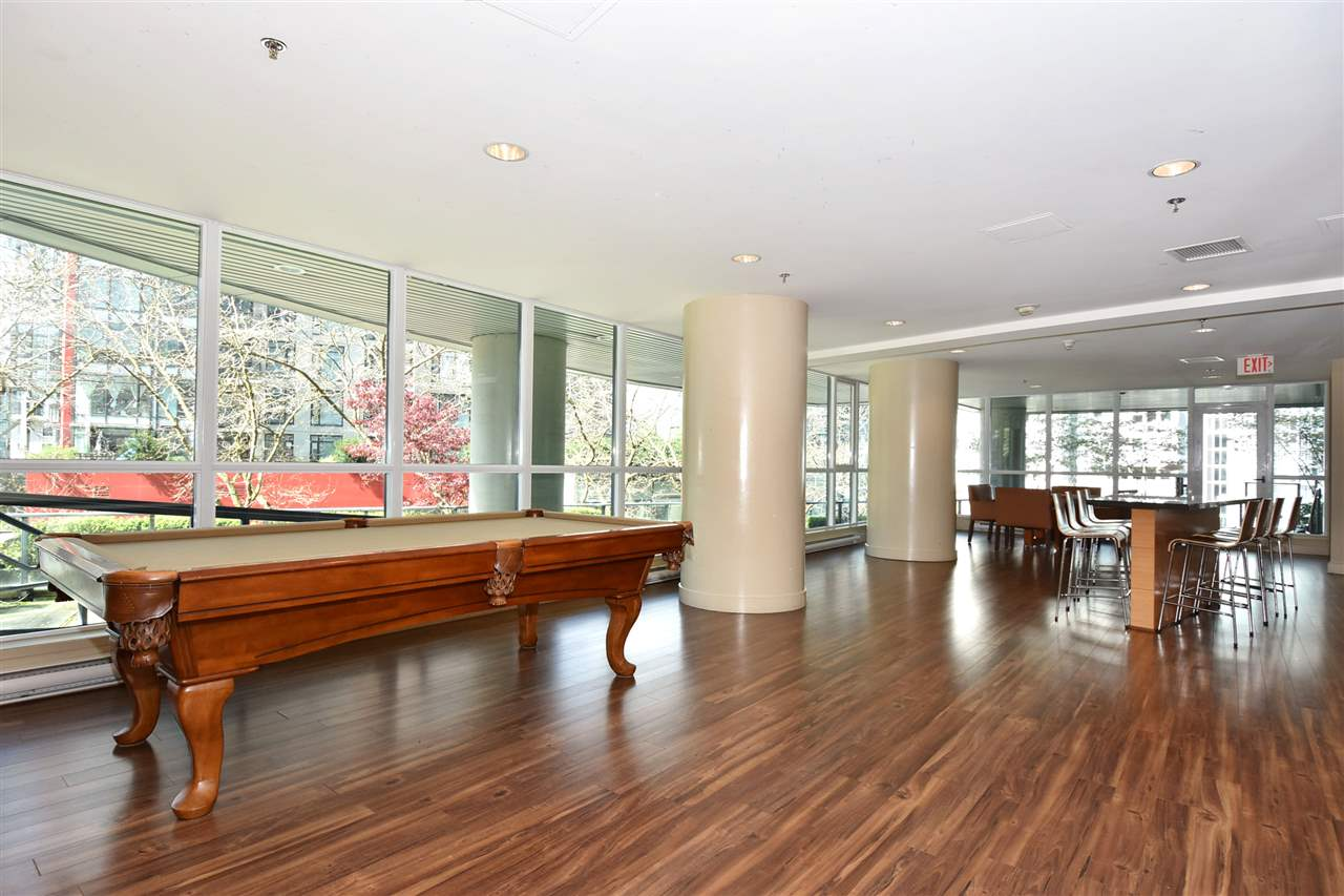 Condo Apartment at 3704 1189 MELVILLE STREET, Unit 3704, Vancouver West, British Columbia. Image 19
