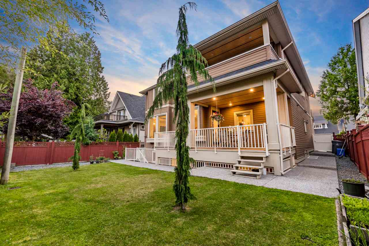 Detached at 17260 0A AVENUE, South Surrey White Rock, British Columbia. Image 2
