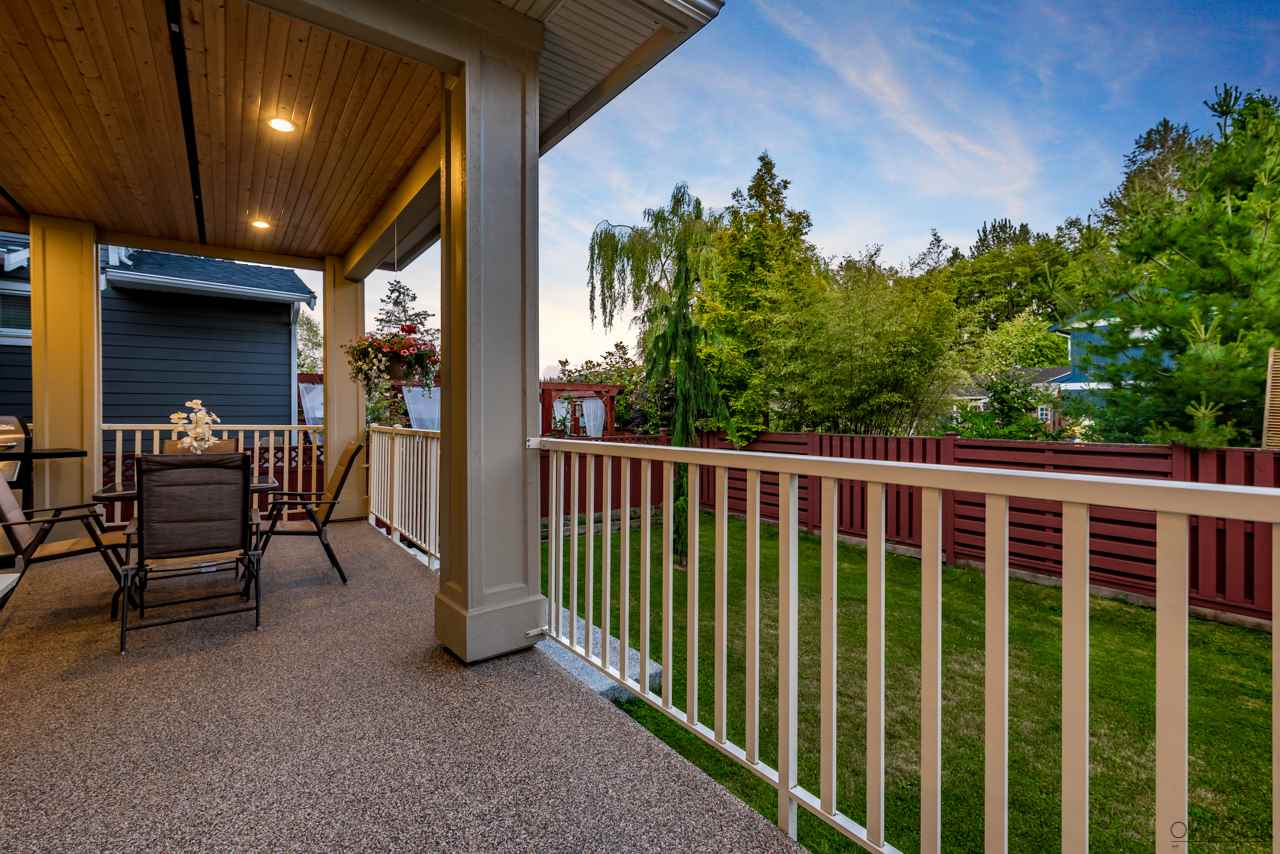 Detached at 17260 0A AVENUE, South Surrey White Rock, British Columbia. Image 4