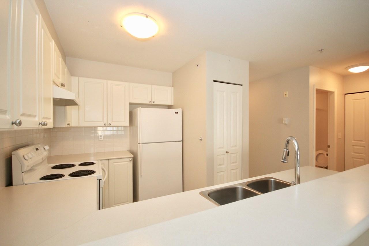 Condo Apartment at 411 1363 56 STREET, Unit 411, Tsawwassen, British Columbia. Image 5