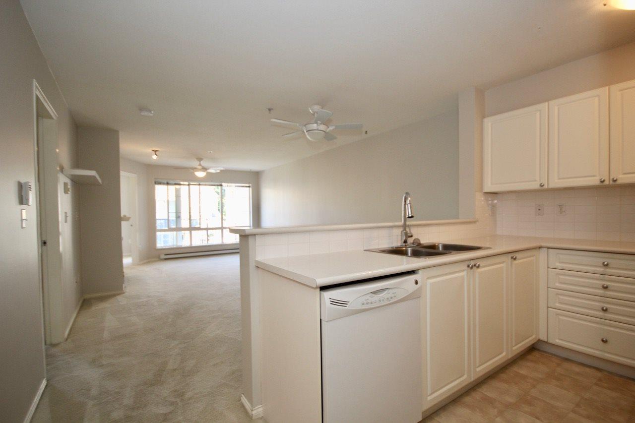 Condo Apartment at 411 1363 56 STREET, Unit 411, Tsawwassen, British Columbia. Image 6