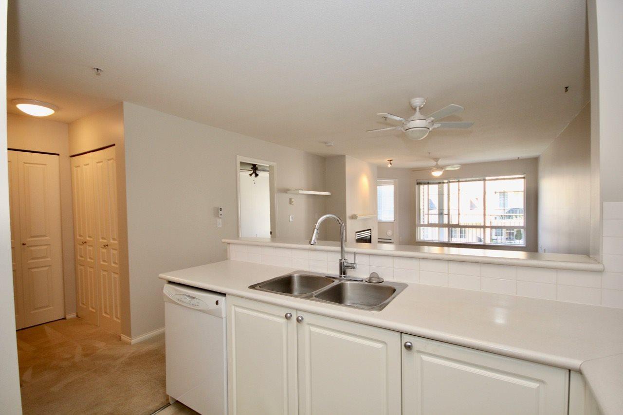 Condo Apartment at 411 1363 56 STREET, Unit 411, Tsawwassen, British Columbia. Image 7