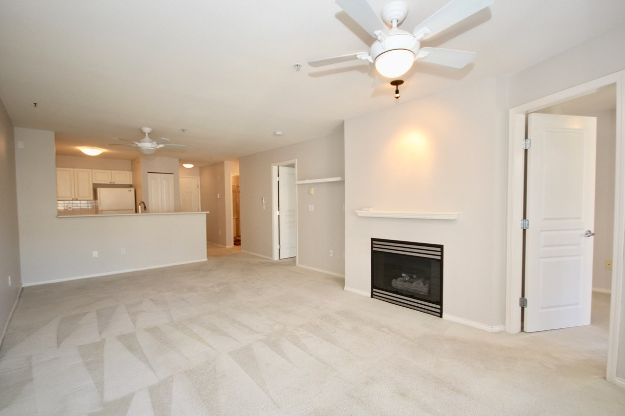 Condo Apartment at 411 1363 56 STREET, Unit 411, Tsawwassen, British Columbia. Image 8