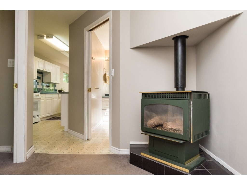 Detached at 2030 154TH STREET, South Surrey White Rock, British Columbia. Image 3