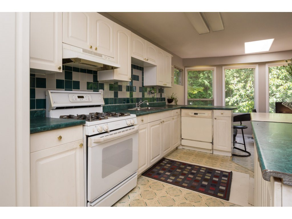Detached at 2030 154TH STREET, South Surrey White Rock, British Columbia. Image 4