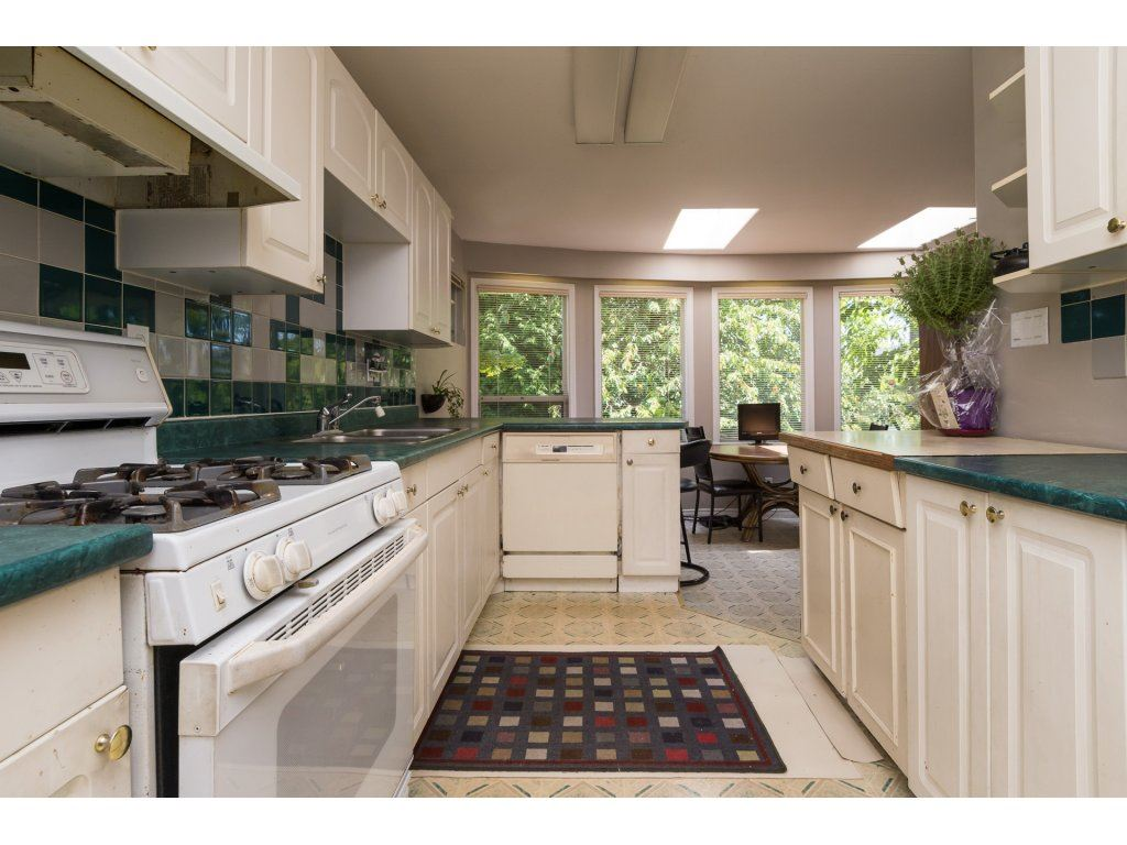 Detached at 2030 154TH STREET, South Surrey White Rock, British Columbia. Image 5