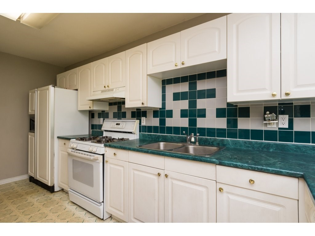 Detached at 2030 154TH STREET, South Surrey White Rock, British Columbia. Image 6