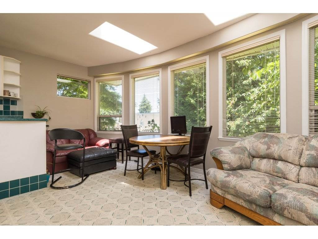 Detached at 2030 154TH STREET, South Surrey White Rock, British Columbia. Image 9