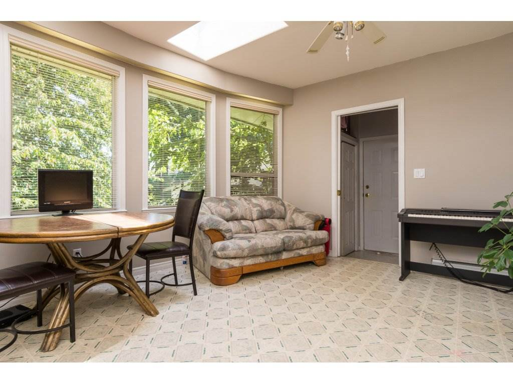Detached at 2030 154TH STREET, South Surrey White Rock, British Columbia. Image 10