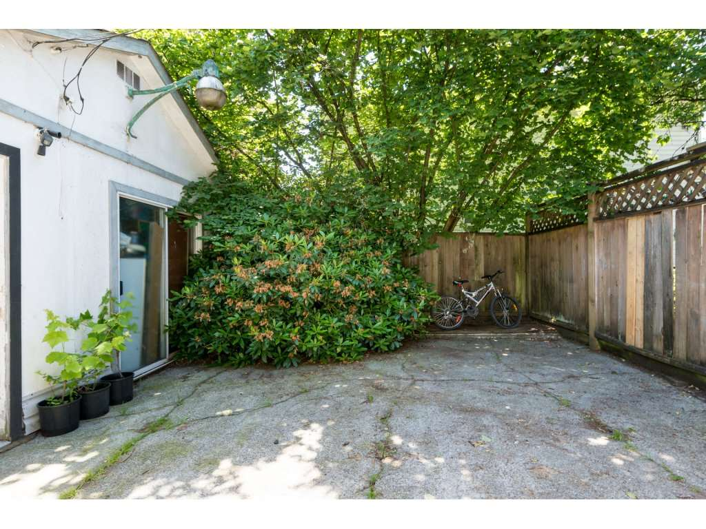 Detached at 2030 154TH STREET, South Surrey White Rock, British Columbia. Image 19