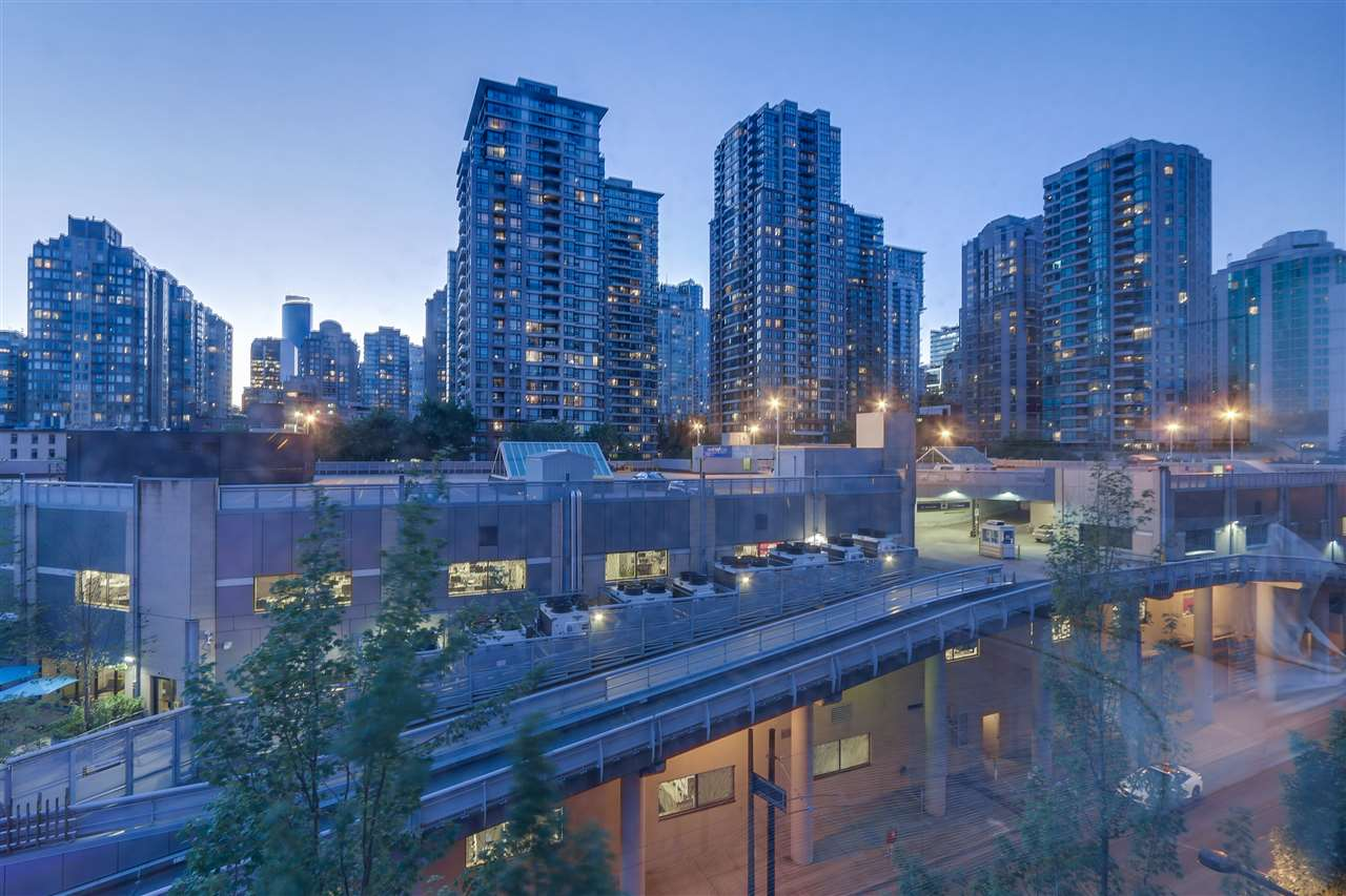 Condo Apartment at 604 950 CAMBIE STREET, Unit 604, Vancouver West, British Columbia. Image 7