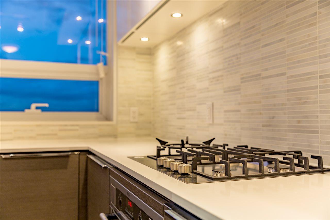 Condo Apartment at 1509 5233 GILBERT ROAD, Unit 1509, Richmond, British Columbia. Image 4