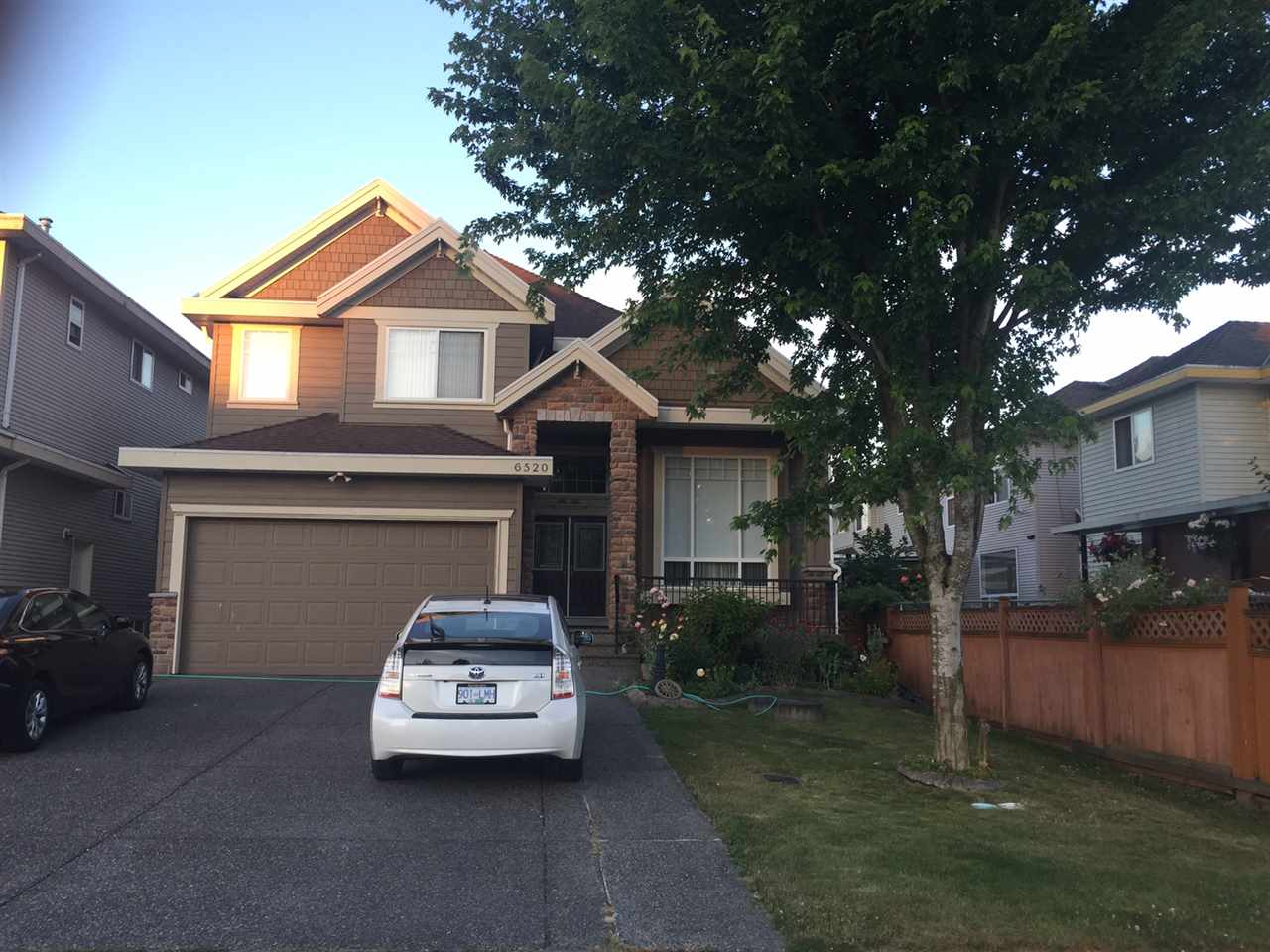 Detached at 6520 123A STREET, Surrey, British Columbia. Image 2